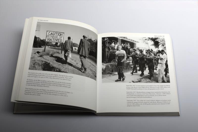 Fotografii książka Nick Yapp, ostrożność ono wystrzega się miejscowi obrazy stock