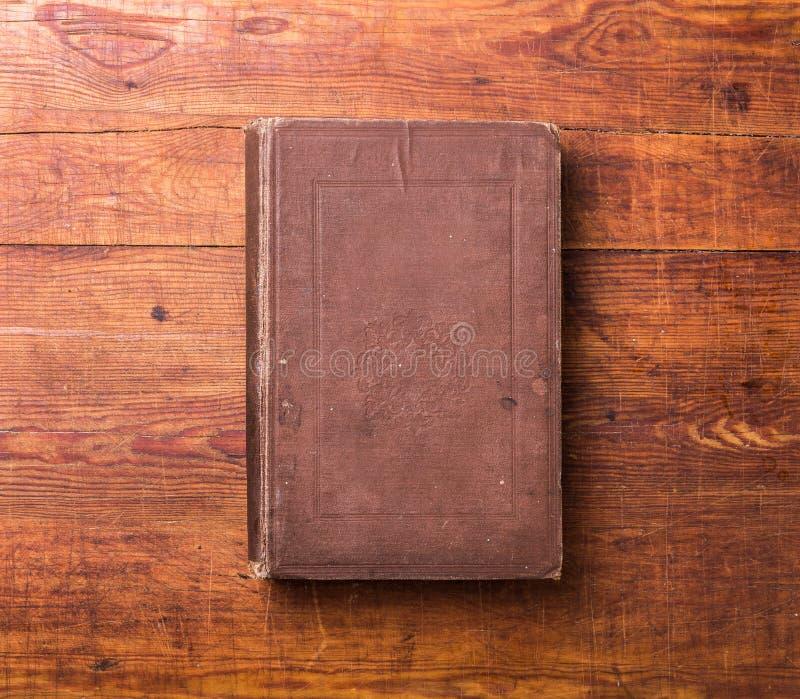 Fotografii pusta książkowa pokrywa na drewnie obrazy royalty free