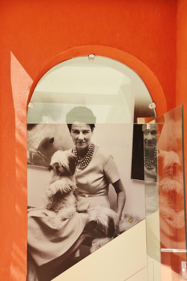 Fotografisch portret van Peggy Guggenheim, Italië stock foto's