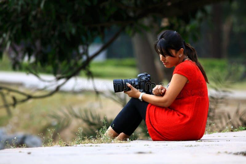 Fotografo della ragazza fotografia stock