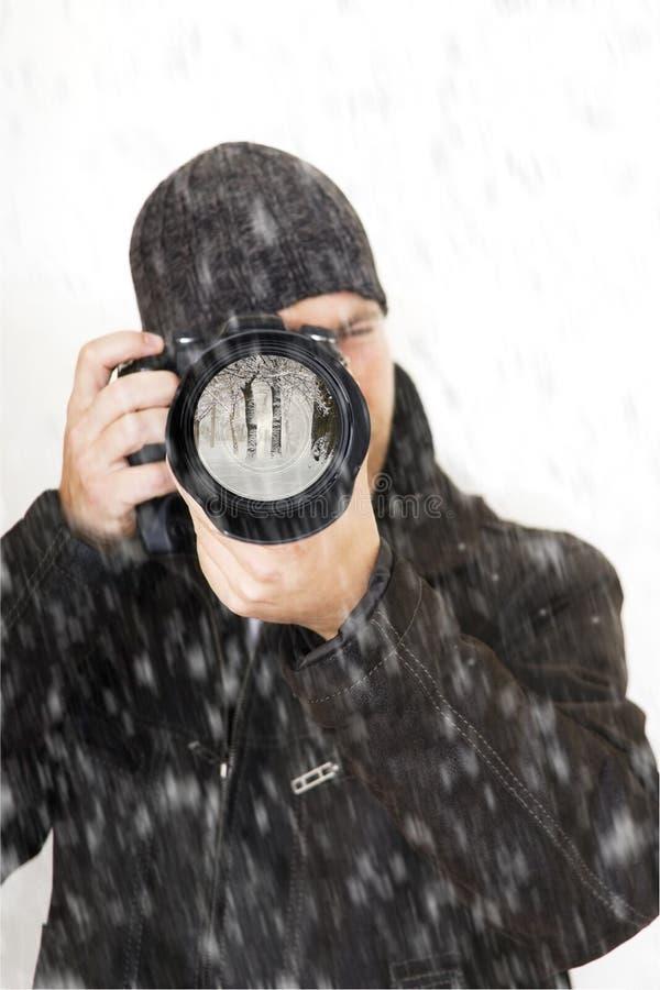 Fotografo professionista esterno in inverno fotografia stock libera da diritti