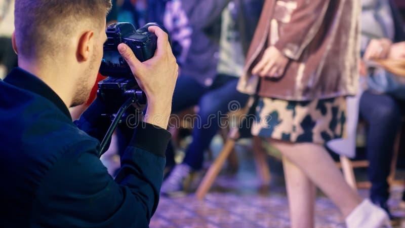 Fotografo sulla settimana di modo immagine stock