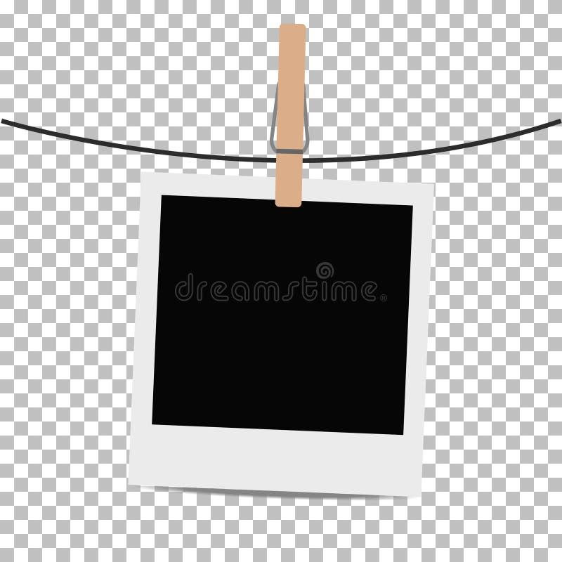 Fotoramen hängde på rep med klädnypan på genomskinlig bakgrund royaltyfri illustrationer