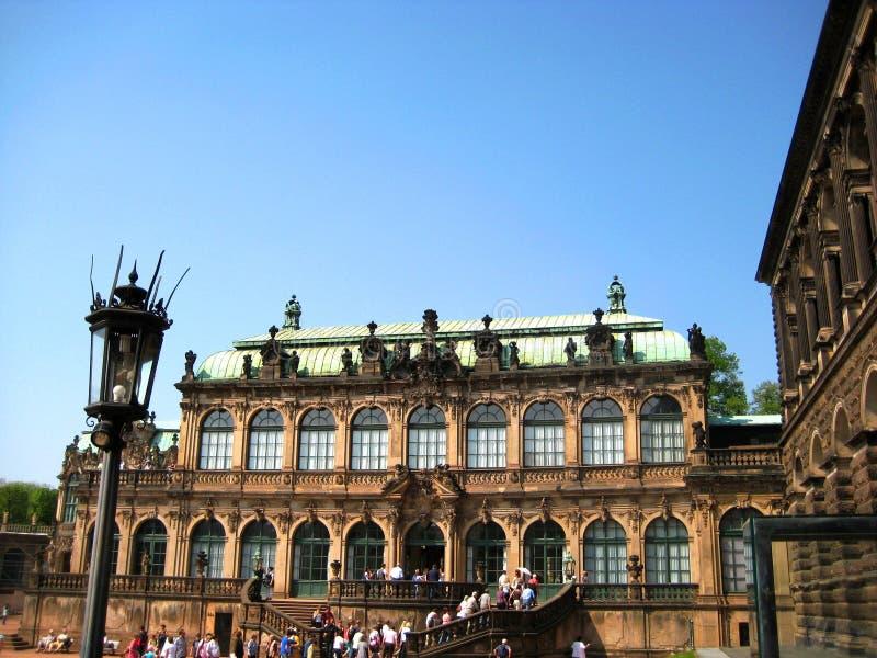 Fotos com o Zwinger complexo histórico e arquitetónico do palácio de verão do fundo da paisagem fotos de stock royalty free