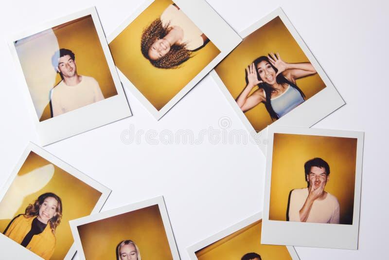 Fotos De Filmes Instantâneos De Jovens Homens E Mulheres Para Modelar A Fundição Em Estúdio Em Fundo Branco imagem de stock royalty free