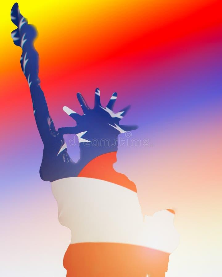 Fotos de la exposición doble de la estatua de la libertad y de la bandera de los E.E.U.U. ilustración del vector