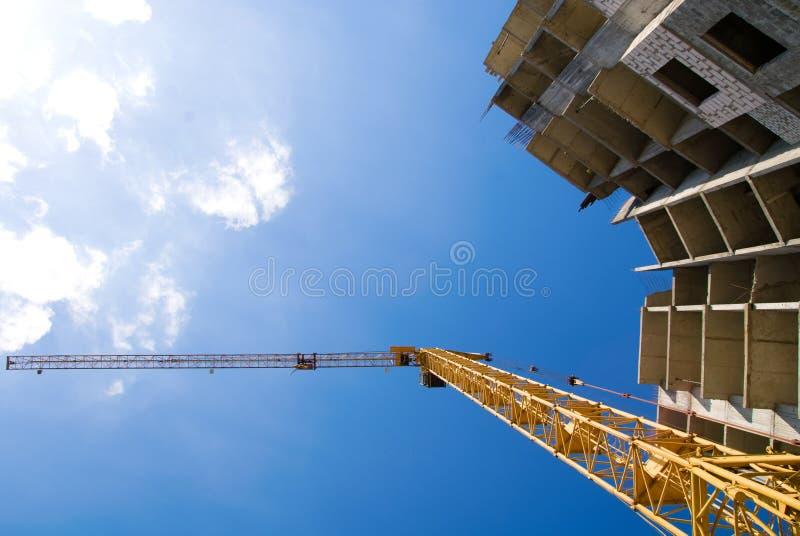 Fotos do guindaste de construção do arranha-céus imagens de stock