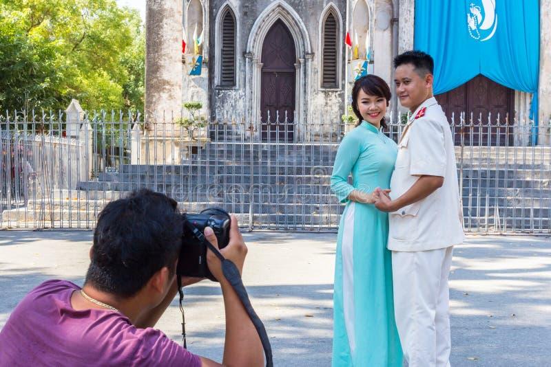 Fotoschießen an der Hochzeit in Hanoi, Vietnam stockbilder