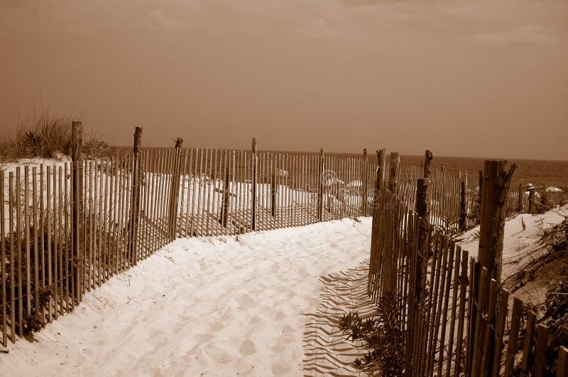 Download Fotspårhav till arkivfoto. Bild av fotspår, ferie, staket - 997696