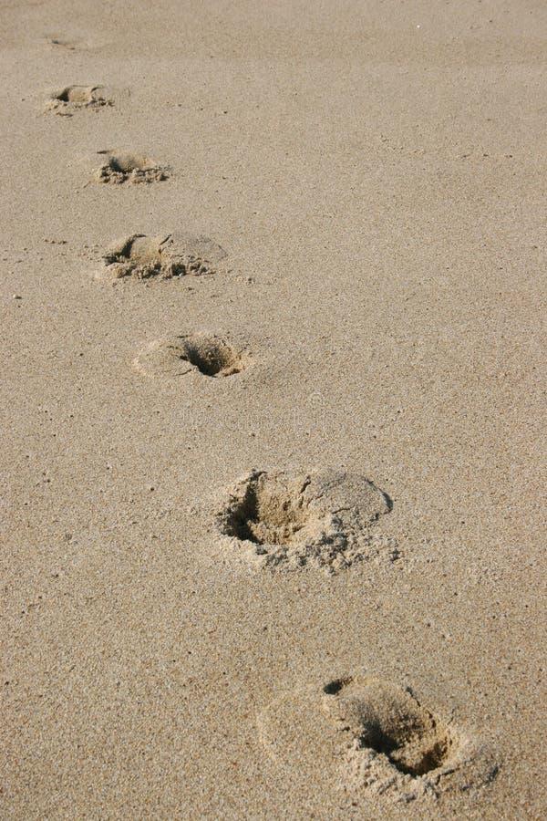 Download Fotspårsand arkivfoto. Bild av pittoreskt, sand, sjösida - 503868