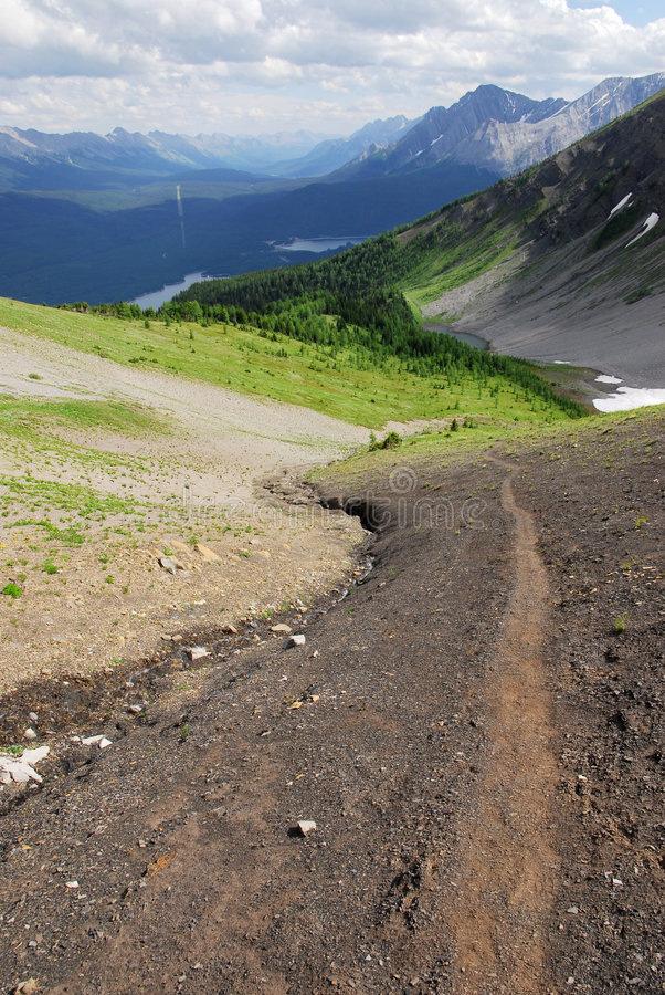 fotvandra övre trail för berg royaltyfria bilder