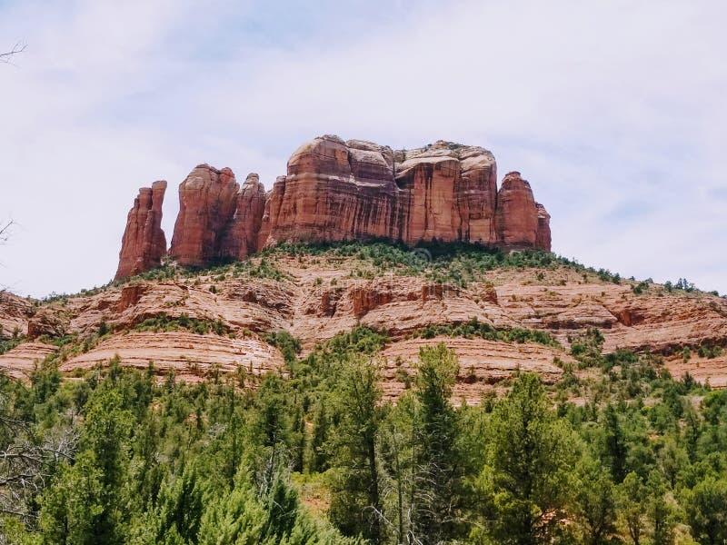 Fotvandra i en h?rliga Sedona Arizona USA royaltyfri bild