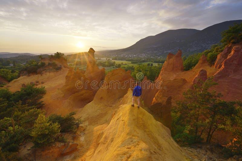 Fotvandrare i Colorado Provençal arkivfoton