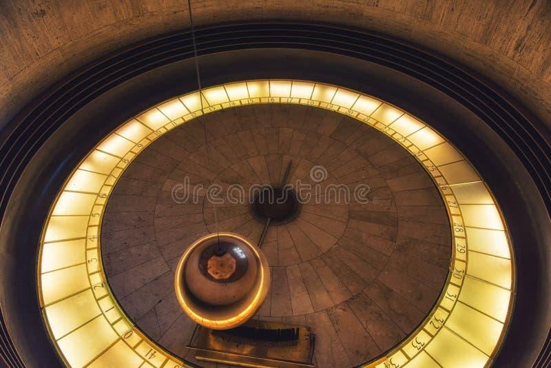 Foucault wahadło przy Griffith obserwatorium - Los Angeles, Califor obrazy royalty free