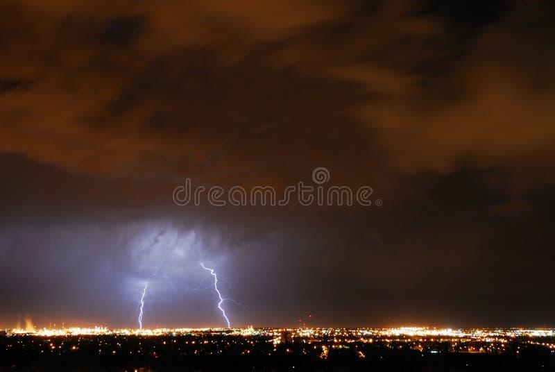 foudre dans le ciel photo libre de droits