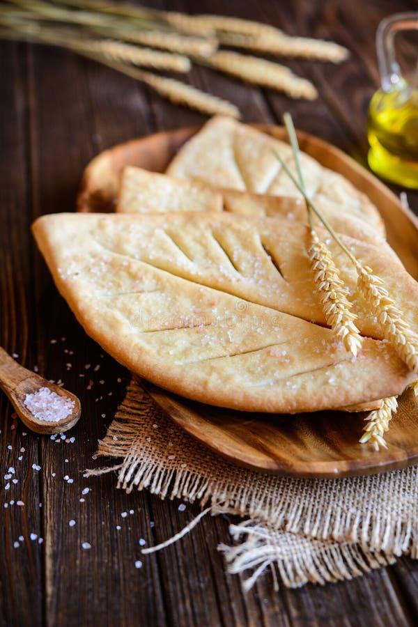 Fougasse - den traditionella franskan sänker bröd royaltyfria bilder