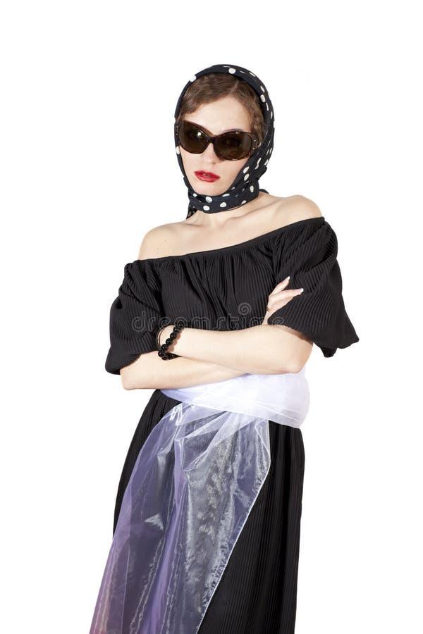 Foulard da portare ed occhiali da sole della donna alla moda fotografie stock libere da diritti