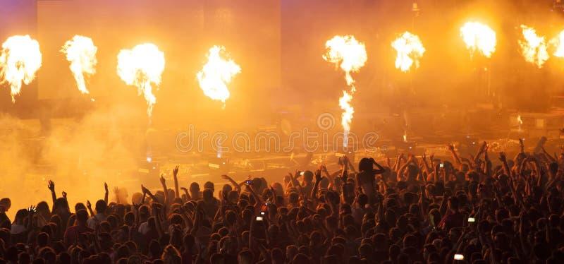 Foule au concert images stock