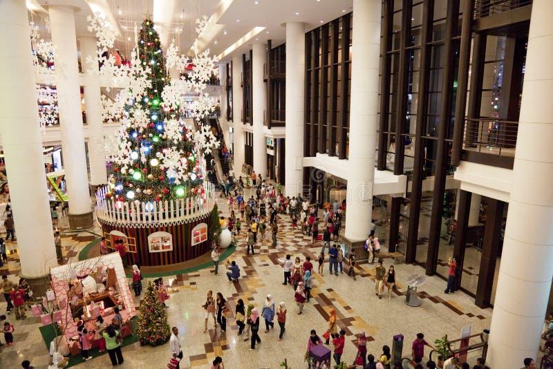 Foule d'achats de Noël photo stock