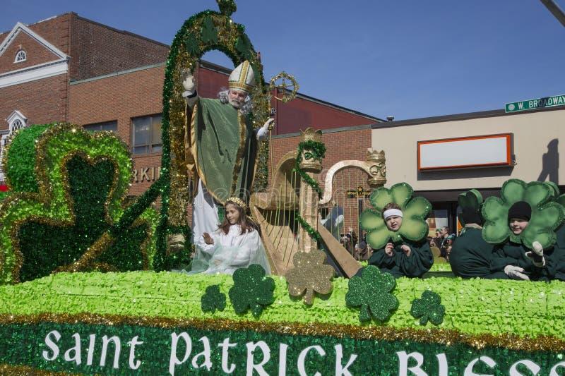 Foule de bénédiction de St Patrick, défilé du jour de St Patrick, 2014, Boston du sud, le Massachusetts, Etats-Unis image stock