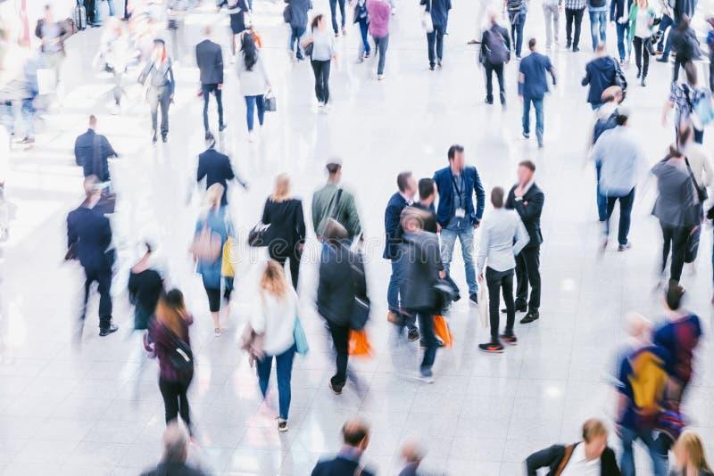 Foule des gens d'affaires Blurred photos libres de droits