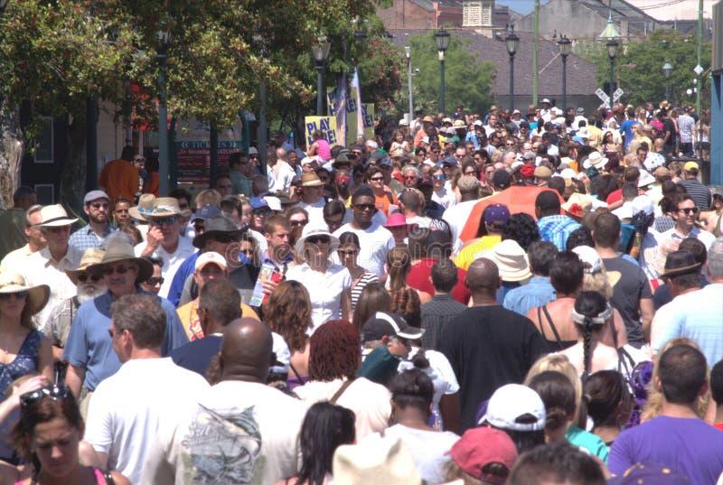Foules de personnes des personnes à la Nouvelle-Orléans images stock