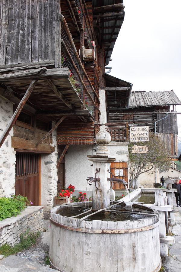 Fountain de Châtelet σε Άγιος-Véran, Γαλλία στοκ φωτογραφίες με δικαίωμα ελεύθερης χρήσης