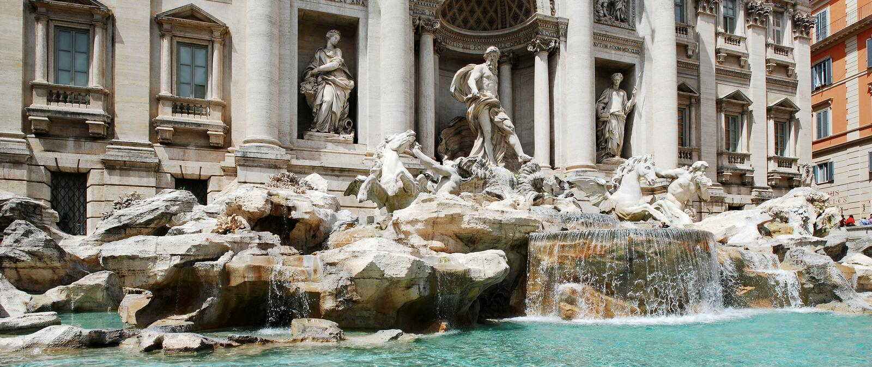 Fountain di Trevi - berühmten Roms Platz lizenzfreies stockbild