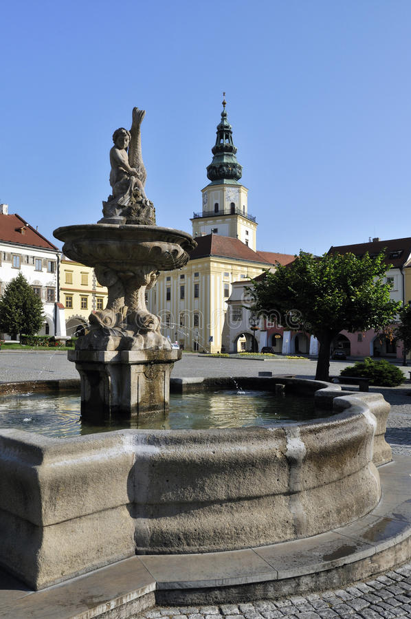 Download Fountain & Kromeriz Castle Royalty Free Stock Images - Image: 18865949