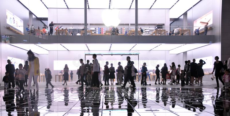 The fountain at the Mall. The modern city in particular. Night lights and the visitors around the fountain at at the Apple Store Chunxi Road in Chengdu, China stock photos