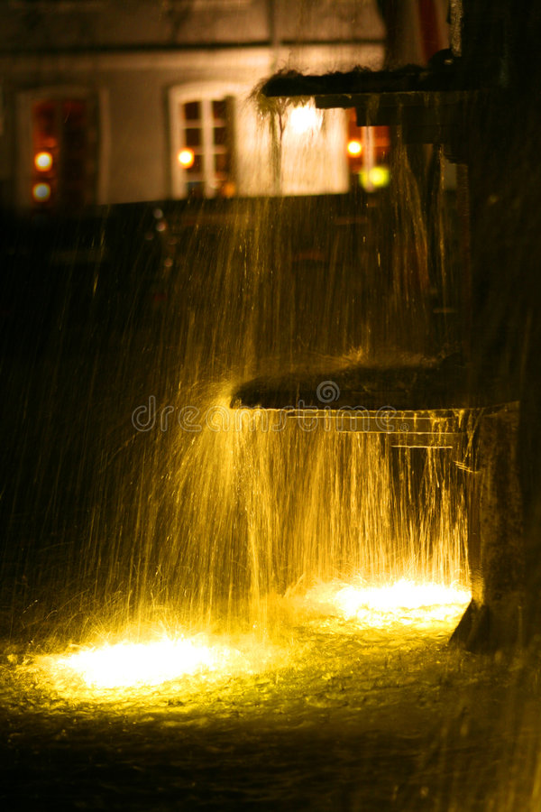 fountain nightime στοκ φωτογραφία