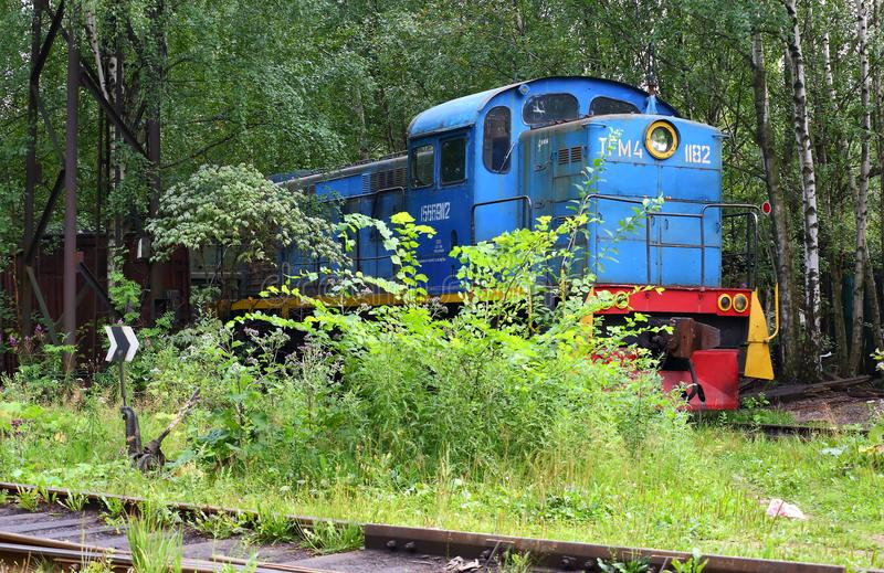 Four-axle shunting locomotive TGM4 1182 at the entrance way. Of the far Dalnevostochniy prospect, Saint Petersburg, Russia stock photography