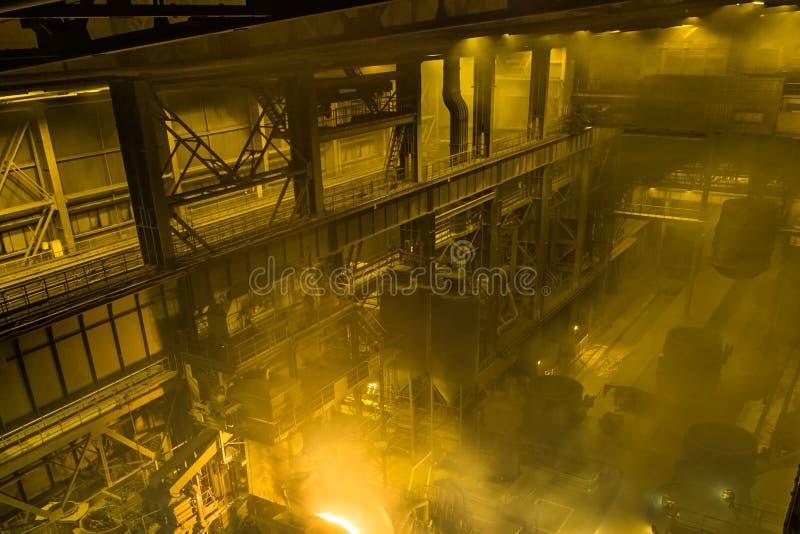 Four d'arc électrique Usine de fonte en acier photos stock