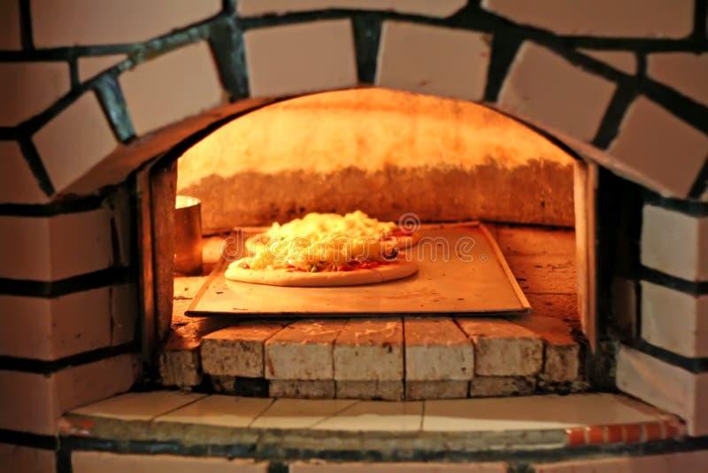 Four de pizza photos libres de droits