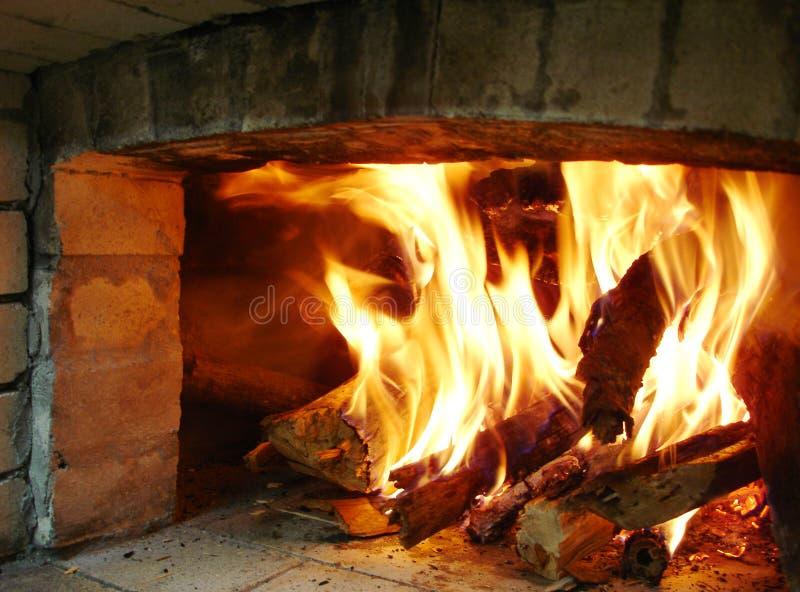 Four le bois de chauffage image libre de droits