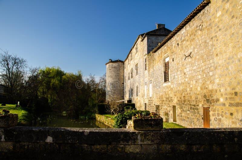 Fourcès is een originele ronde Bastide in het Ministerie van Gers, Frankrijk stock foto