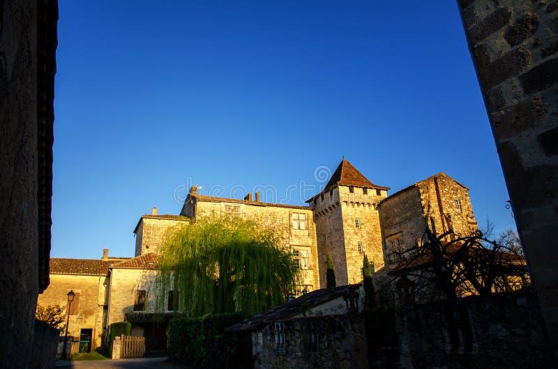 Fources is een originele ronde Bastide in het Ministerie van Gers, Frankrijk royalty-vrije stock foto