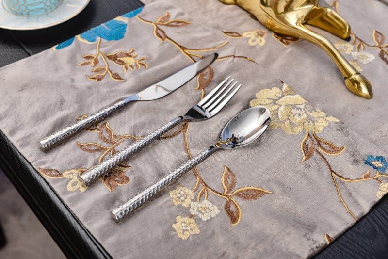 Fourchette argentée de cuillère photographie stock