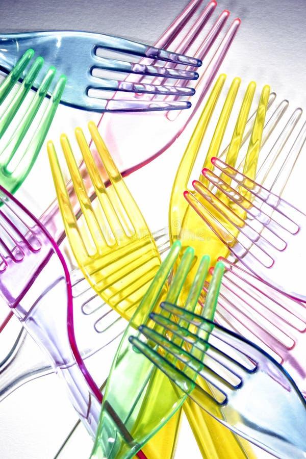 Fourchettes en plastique colorées photo stock