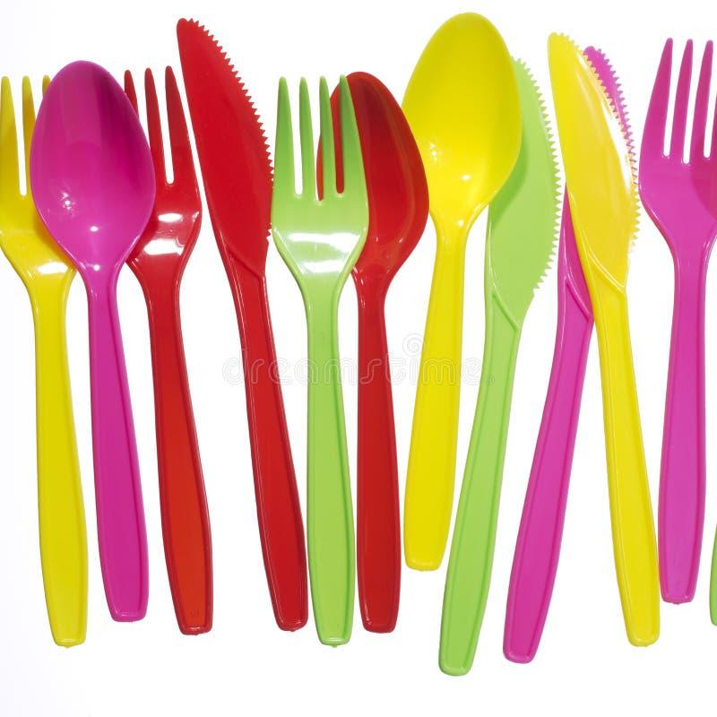 Fourchettes vibrantes, kives, cuillères photographie stock