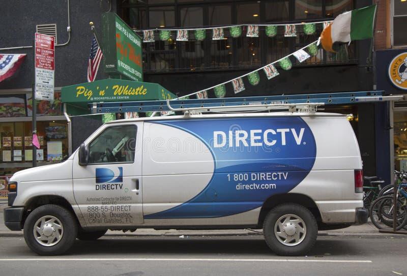 Fourgon de DirecTV à Manhattan photo libre de droits