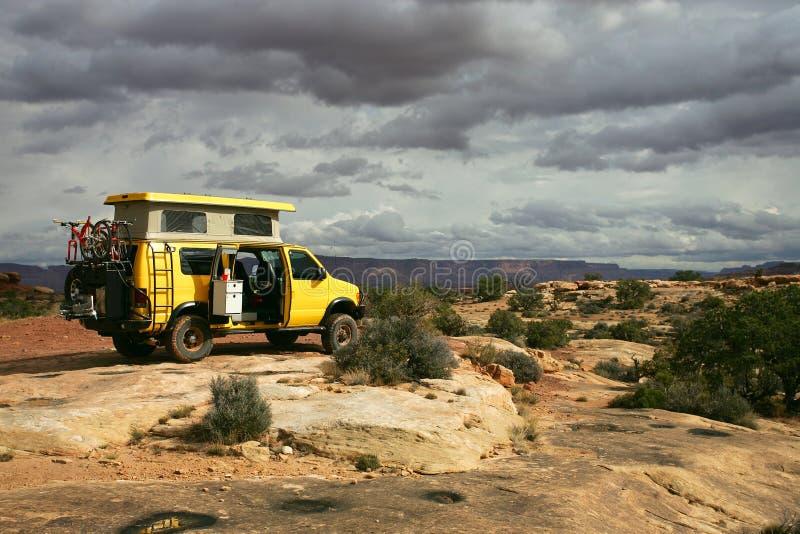 Fourgon jaune photos stock