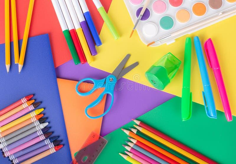 Fournitures scolaires de dessin et de coloration photographie stock libre de droits