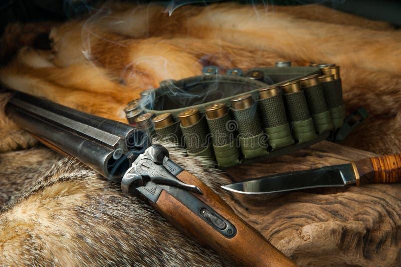Foxhide het kanon en het mes van het de jachtmateriaal stock foto