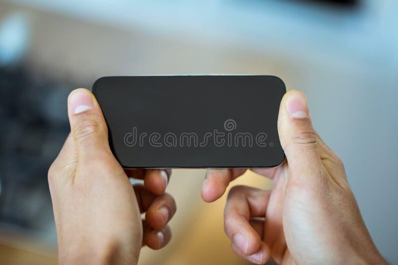 Foyer sur un smartphone à plat photo libre de droits
