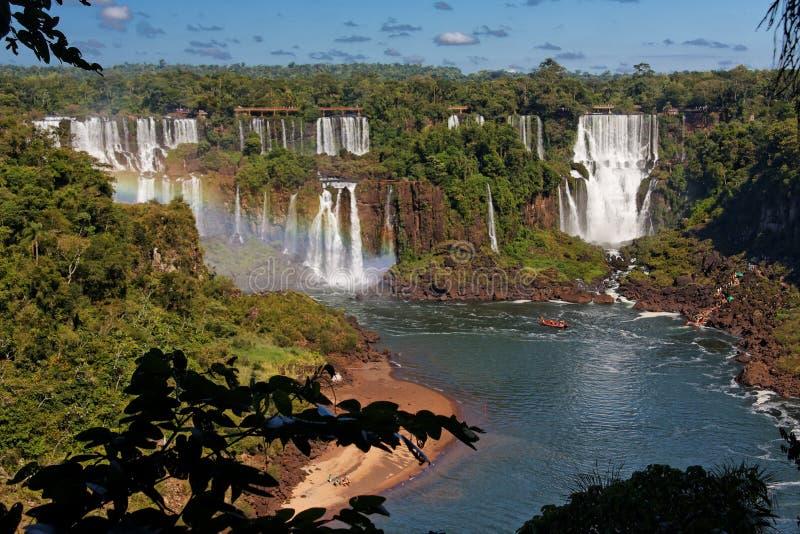 Foz hace las caídas de Iguacu foto de archivo