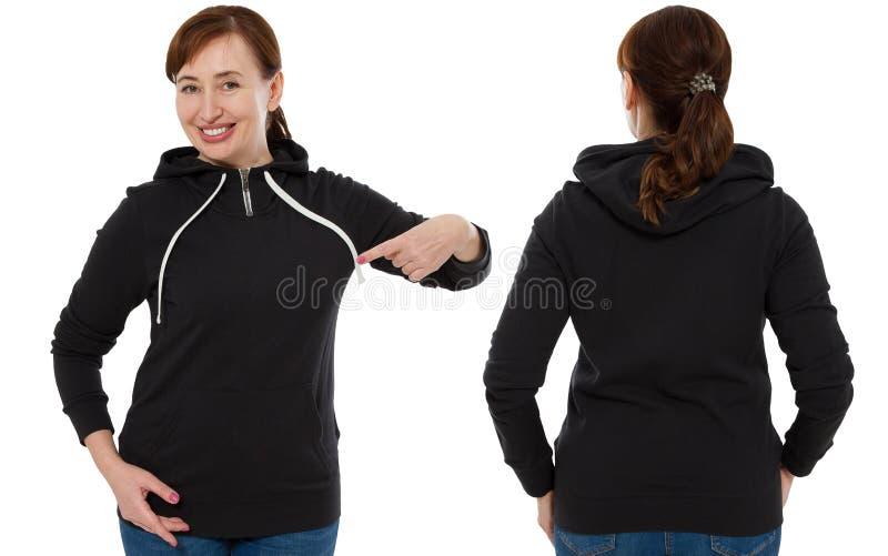 Främre baksida och bakre svart tröjasikt Kvinnapeka och show på mallkläder för tryck- och kopieringsutrymme som isoleras på vit royaltyfria foton