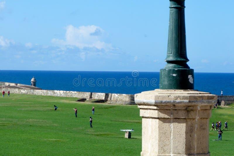 Främre gård av slotten för El Morro på San Juan, Puerto Rico arkivbild