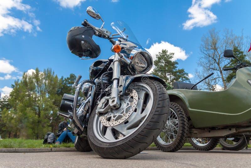 Fr?mre ljus f?r motorcykel ett hjul royaltyfria foton
