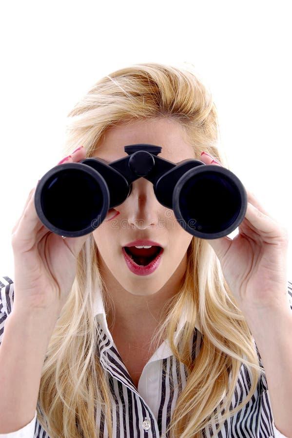 främre seende sikt för binokulär kvinnlig fotografering för bildbyråer